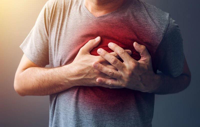 Đau thắt ngực là biểu hiện có huyết khối trong máu