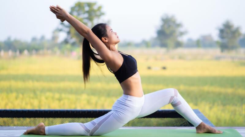 Yoga mang lại nhiều lợi ích khi kiểm soát cholesterol
